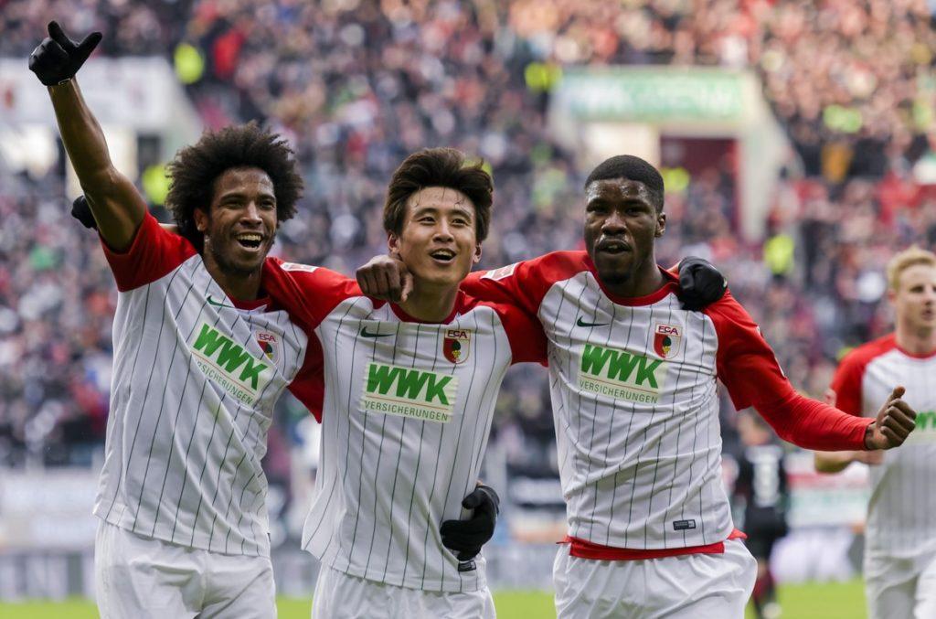 Marco Fabián regresa con derrota, tras goleada a Frankfurt DVNHJ6QW0AAuH5V