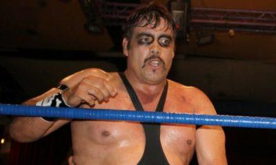 fallece el luchador Universo 2000