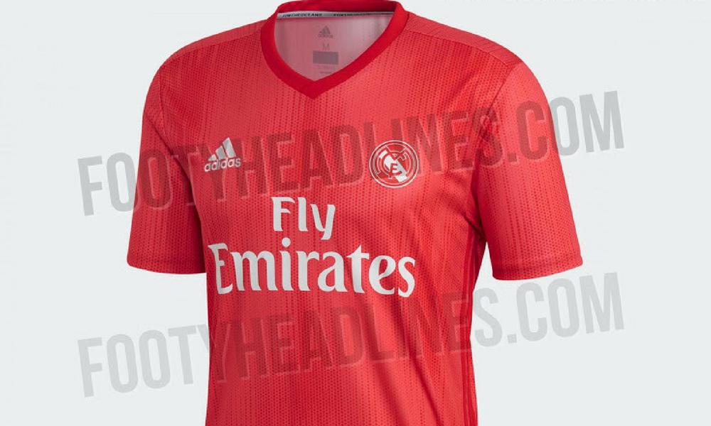 754dba9f4cf64 Filtran extravagante playera roja del Real Madrid
