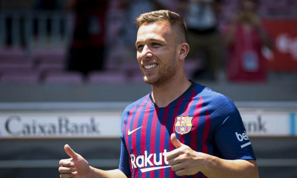 Arthur fue presentado con el Barcelona