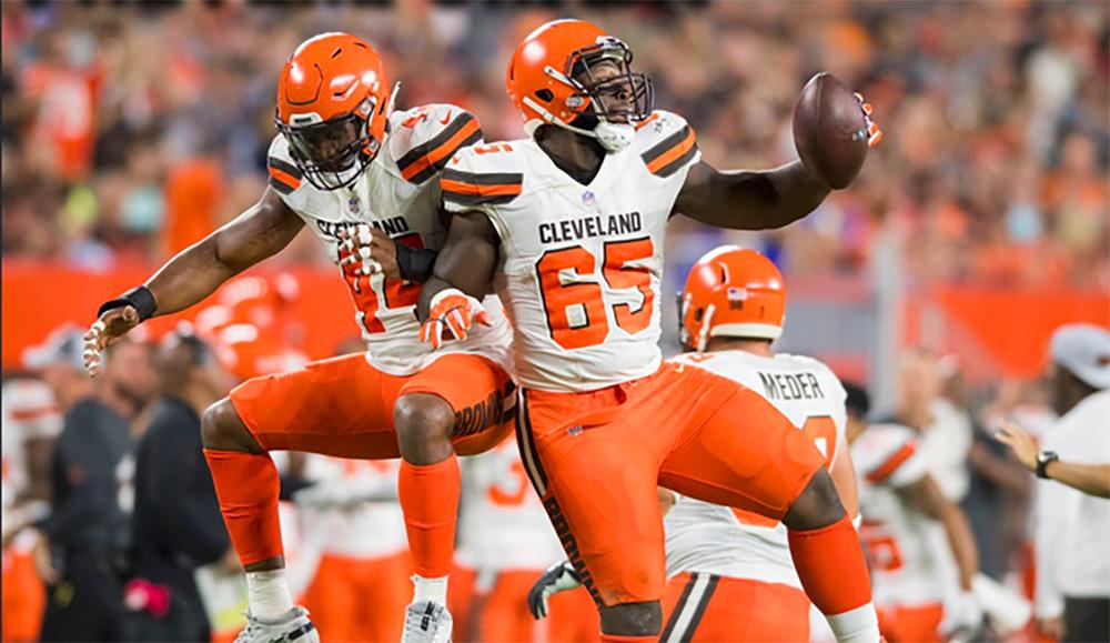 Browns desplumaron a Eagles con un Safety