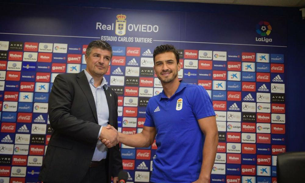 Oswaldo Alanís fue presentado con el Real Oviedo