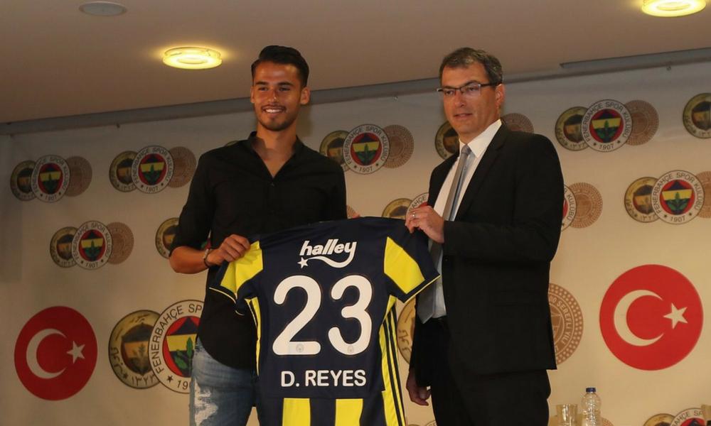 Diego Reyes fue presentado con el Fenerbahce