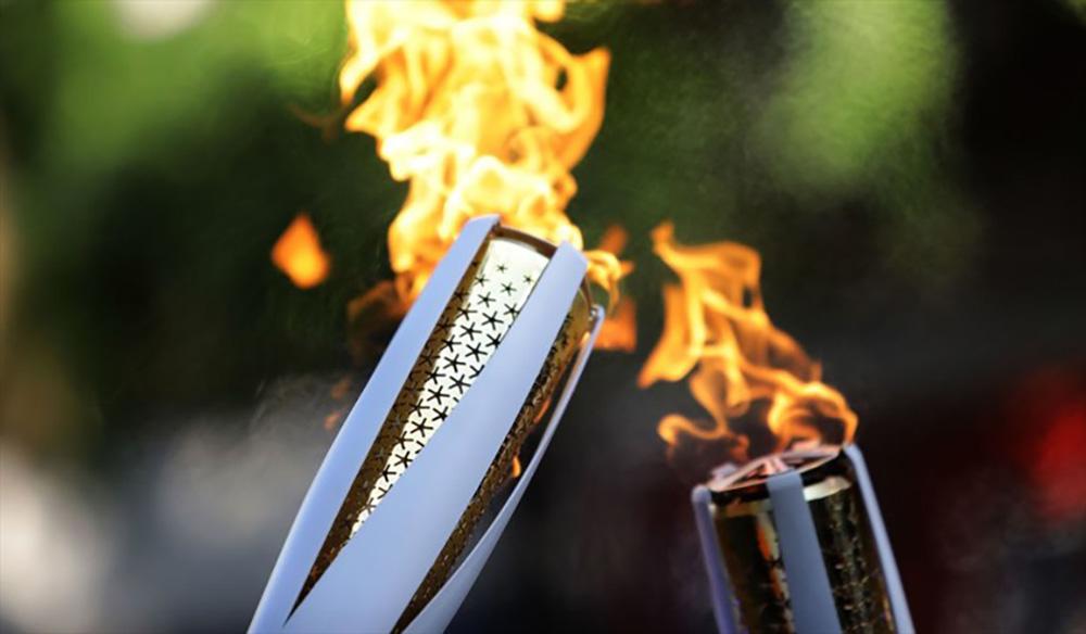 Encendido de antorcha Olímpica, homenaje a víctimas
