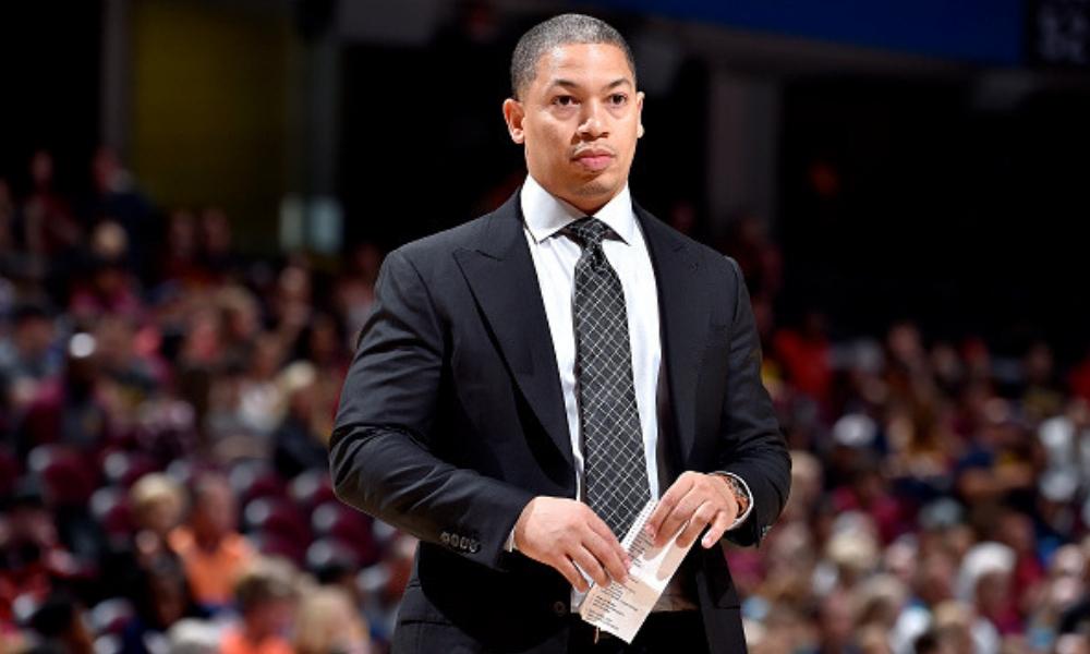 Los Cavaliers despiden al entrenador Tyronn Lue