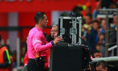 los sueldos para los árbitros del VAR