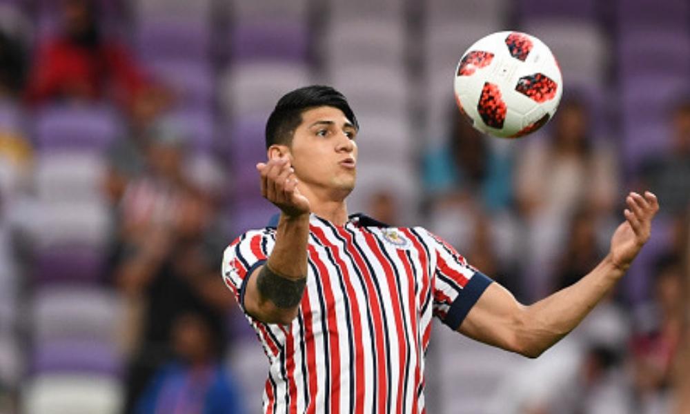 Alan Pulido defendió a Chivas