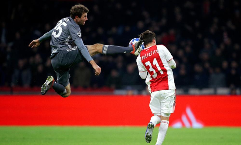 Müller fue suspendido en la Champions