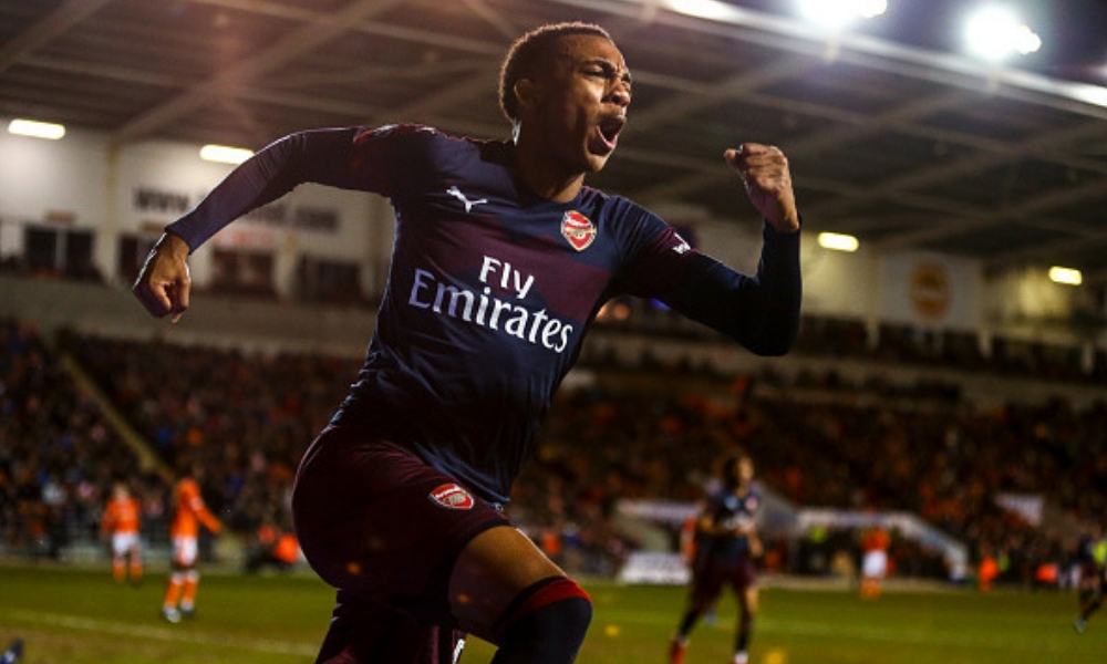 Joe Willock marcó doblete en el triunfo del Arsenal