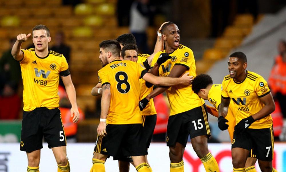 los Wolves rescataron el empate