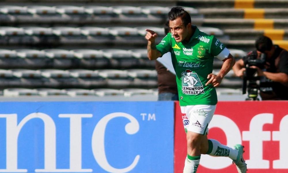 León anuncia renovación de Luis Montes con llamada de Gokú