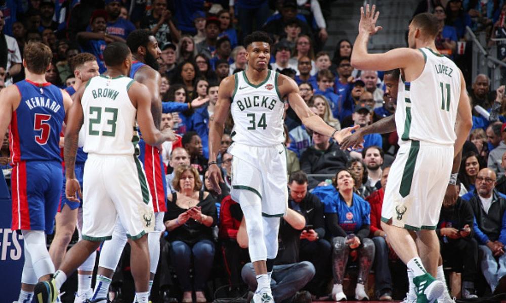 Baloncesto | Milwaukee barrió a Detroit amparado en brillante actuación de Antetokounmpo
