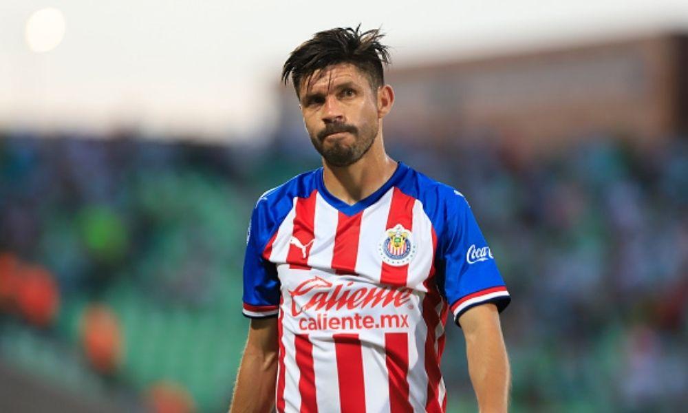 Chivas ofrece a Oribe Peralta trabajar en el club cuando se retire del futbol