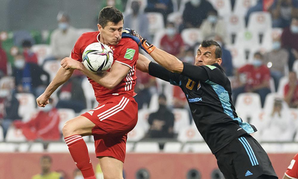 VAR no marcó mano de Lewandowski